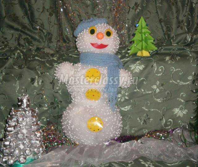 Снеговик из пенопласта своими руками фото