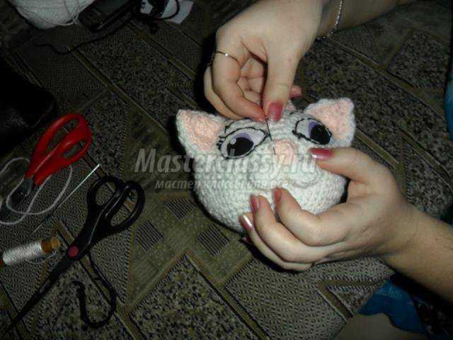 вязание игрушек крючком.