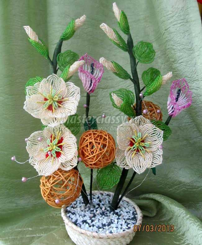 Цветы из бисера калла