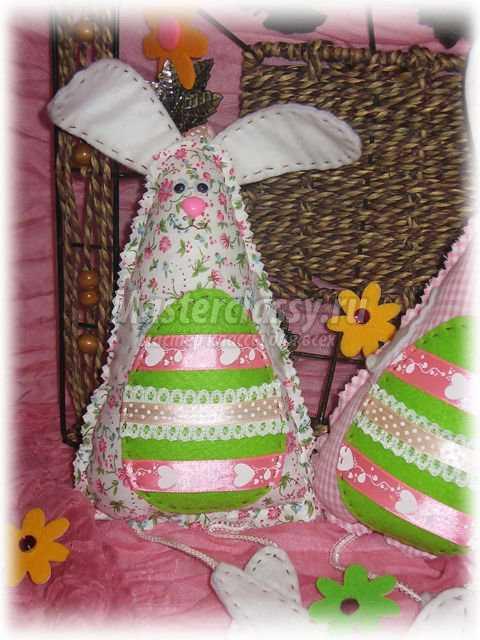 Интерьерные игрушки Пасхальные зайчики