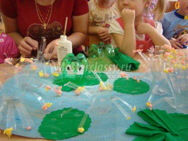 Как сделать лягушку из пластиковых бутылок пошагово с
