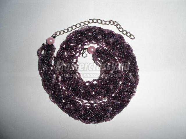 1. бисер (любого цвета).  3. игла для бисера.  2. леска или нить.  Ожерелье из бисера мастер класс. ожерелья из бисера.