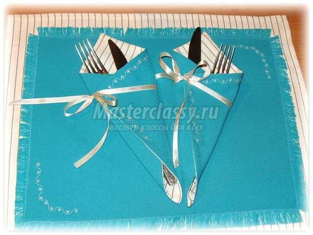 Кармашки из салфеток для столовых приборов