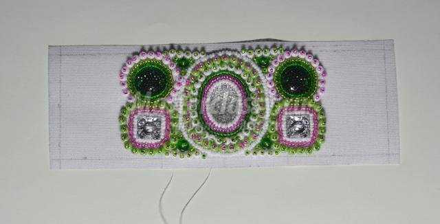 Способ изготовления дерева сакура . бисера групп крестиков; плетение из бисера: браслет .