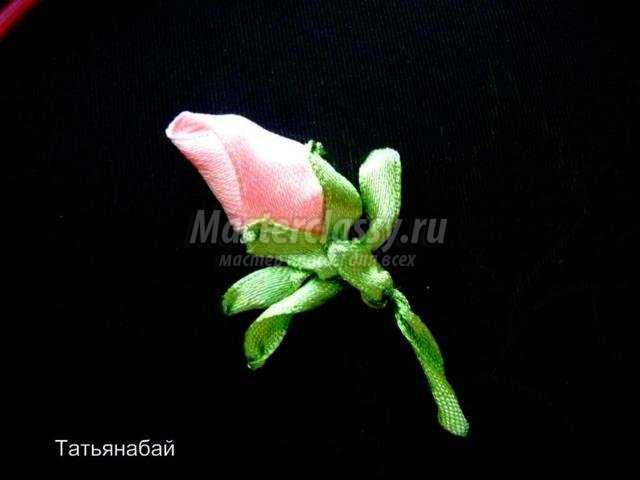 Вышивка лентами роза пошагово