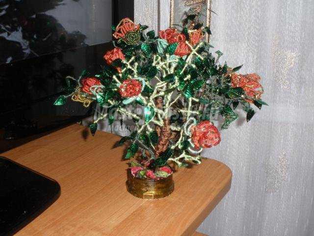 куст роз из бисера своими
