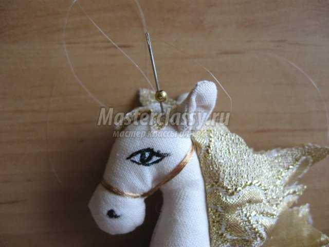 Текстильная лошадь