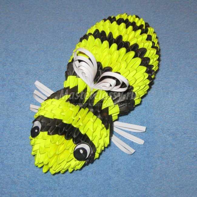 Модульное оригами. Пчела