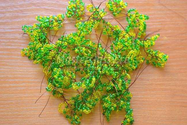 May 1, 2014 - Дерево из бисера - Оберег Лили (бисероплетение) дерево любви, бонсай, инь янь, осеннее дерево...