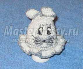 Вязаный чехол крючком на пасхальное яйцо. Зайчик. Мастер-класс с пошаговыми фото