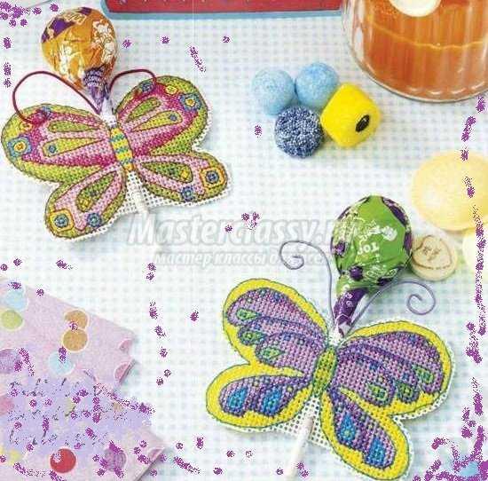 Оригинальные бабочки, вышитые