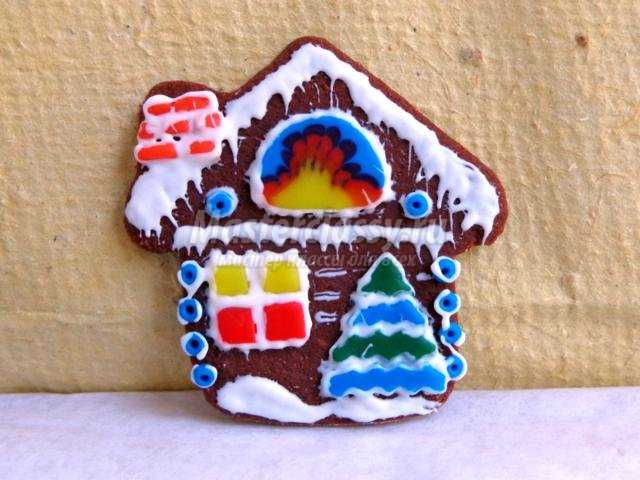 Новогодний пряничный домик из полимерной глины. Мастер-класс с пошаговыми фото