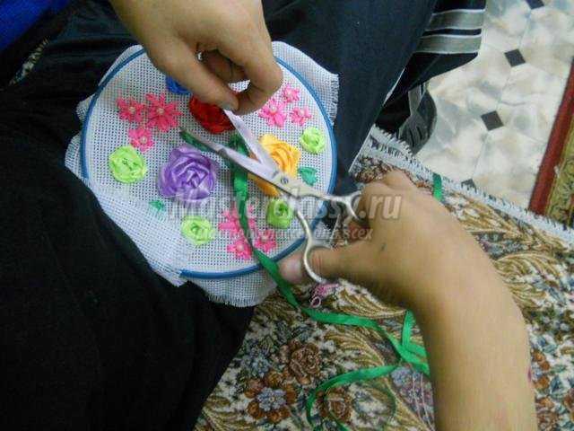 Осенние узоры. вышивка лентами