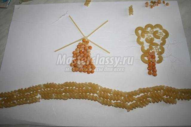 Фото поделки из макарон и круп