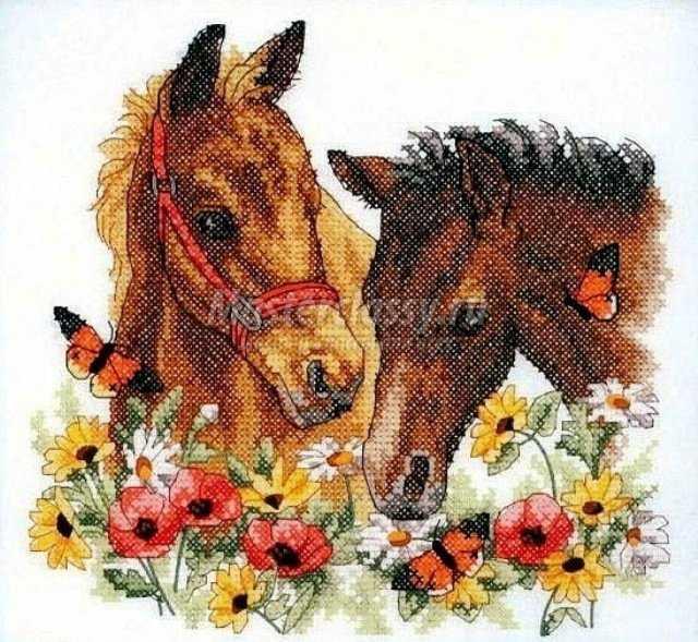 бисером и вышивка лошади в