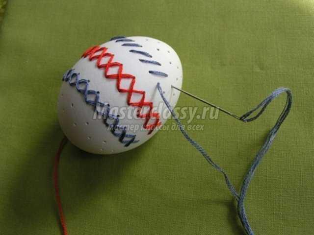 Вышивка на яичной скорлупе