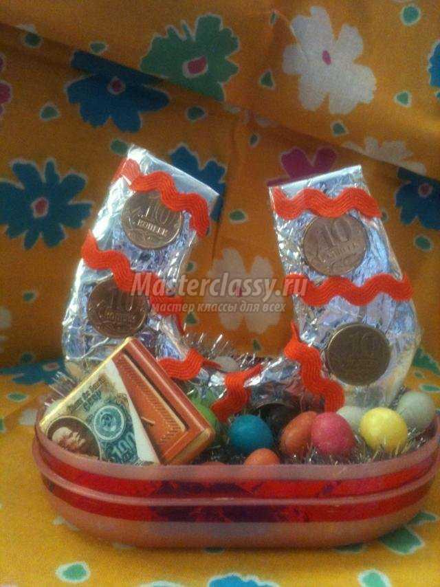 Букеты роз из бумаги и конфет своими руками 608
