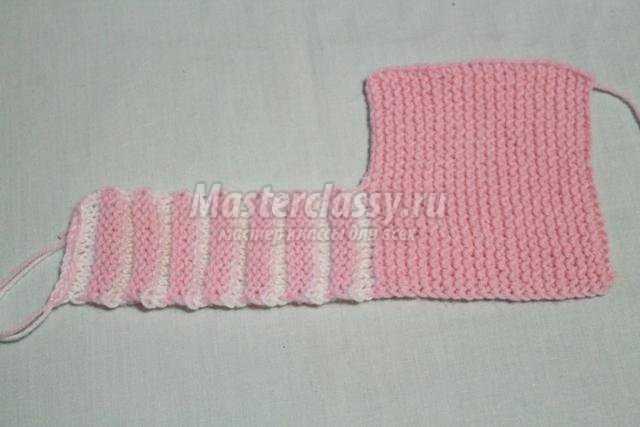 нарядные вязаные пинетки спицами для девочки