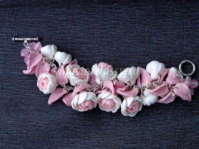 весенний браслет из полимерной глины с цветами