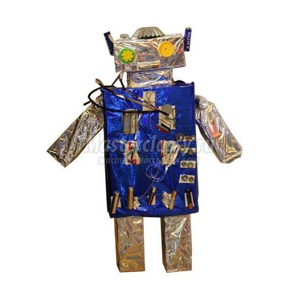 Робот - поделка из коробок