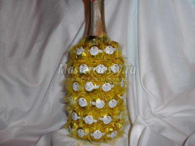 пьяный ананас из шампанского и конфет ко Дню Валентина