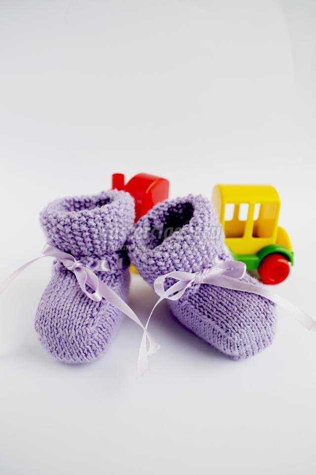 вязаные пинетки спицами для новорожденного