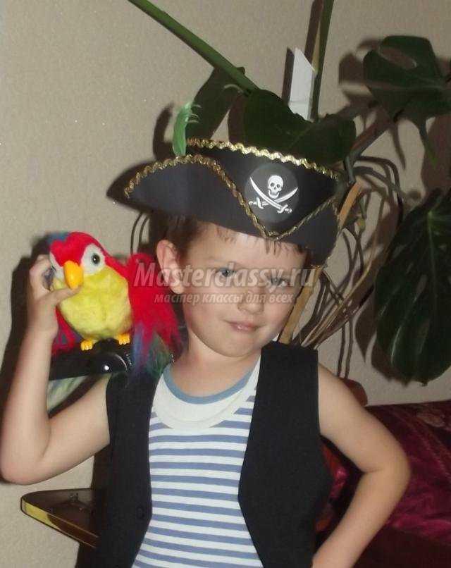 Шляпа пирата из бумаги для мальчика