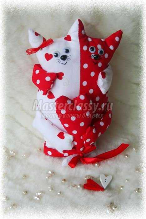 Подарок на 14 февраля своими руками. Влюбленные котики