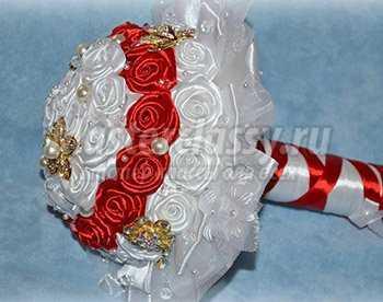 Как сделать своими руками розы с атласных