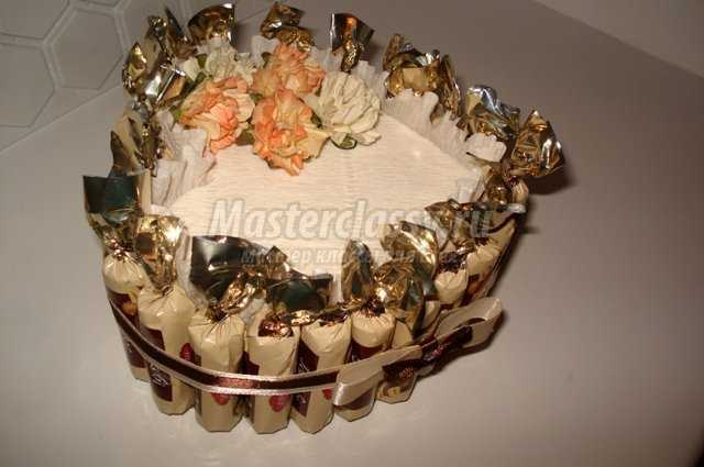 букеты из конфет на бутылке шампанского ананас на двухсторонний скотч