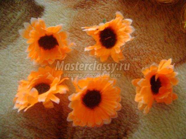 Топиарии с цветами из ленточек