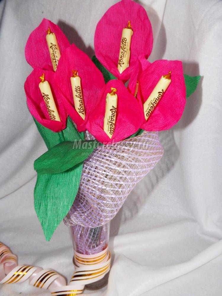 Как сделать цветы из бумаги и конфеты своими руками