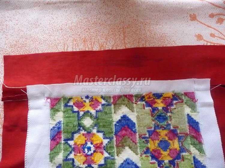Вышивка крестом диванной подушки