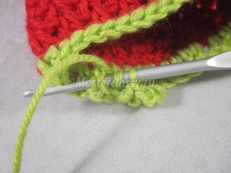 вязание крючком пинеток. Клубнички