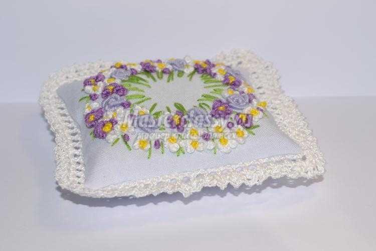 вышивка игольницы в стиле рококо