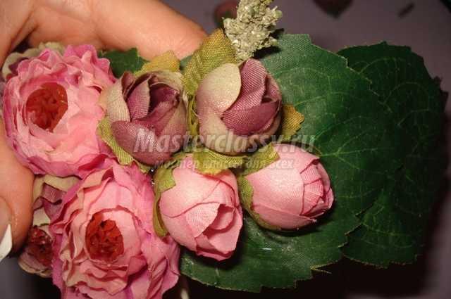 красивый ободок с цветами