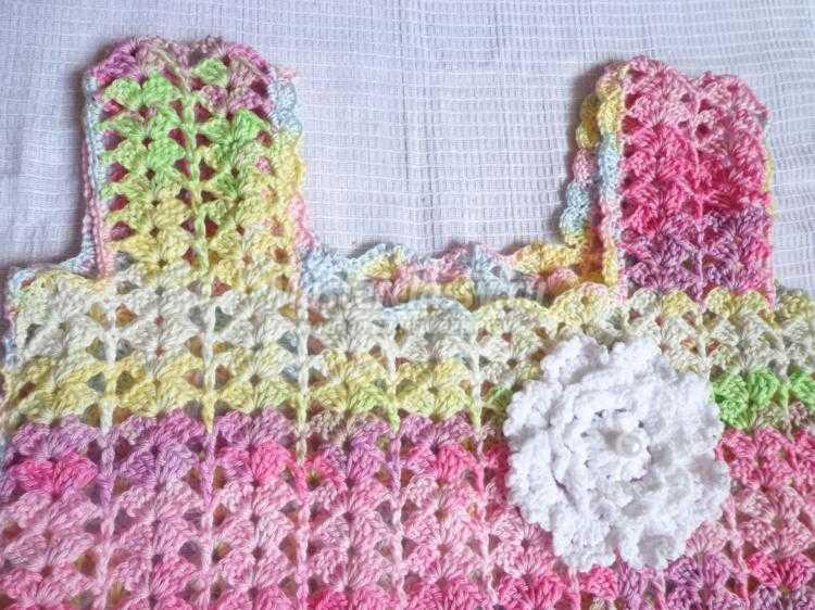 Вязание крючком жилеток на девочек