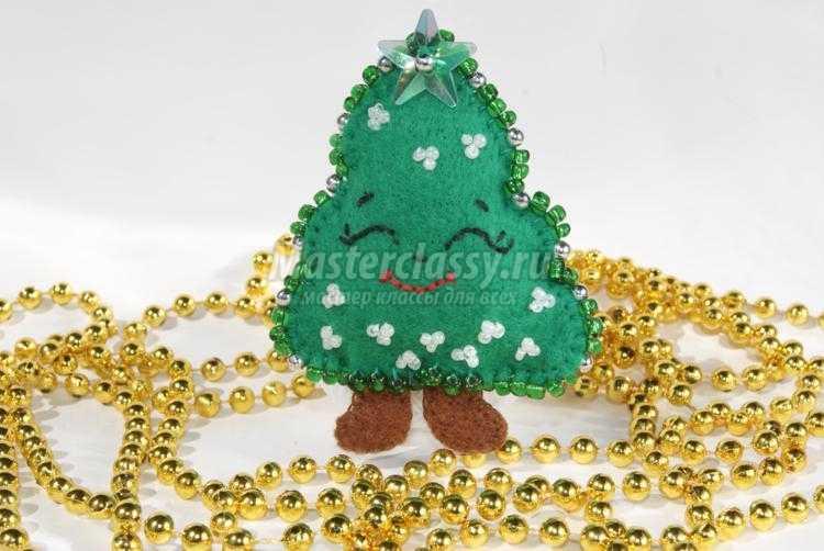 Новогодняя елочка своими руками бисером
