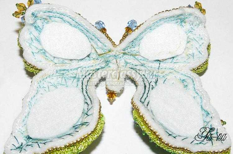 брошь из бисера и бусин. Летняя бабочка