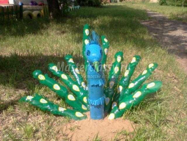 Как сделать павлин из пластиковых бутылок своими