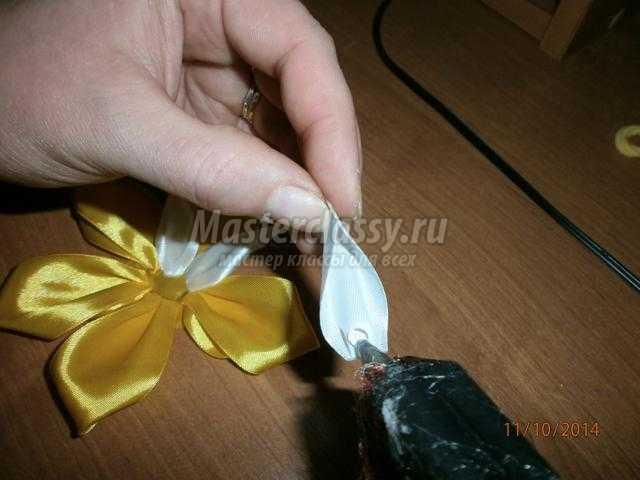 Как сделать резинку на волосы из атласных лент