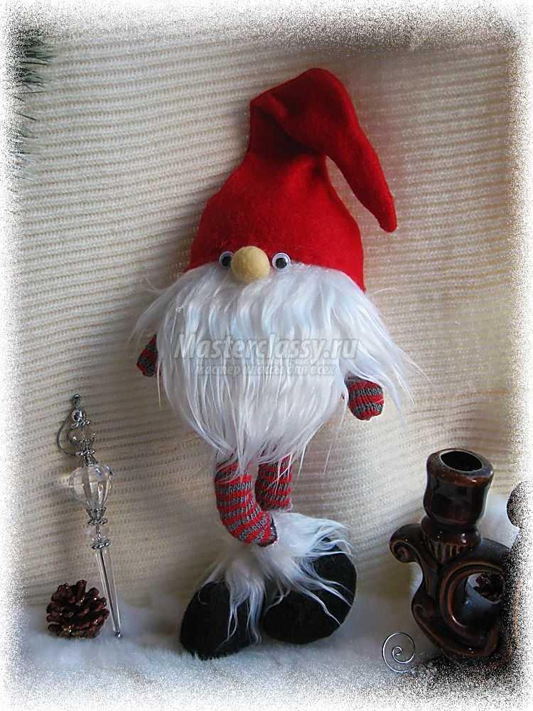 Рождественский веселый гномик