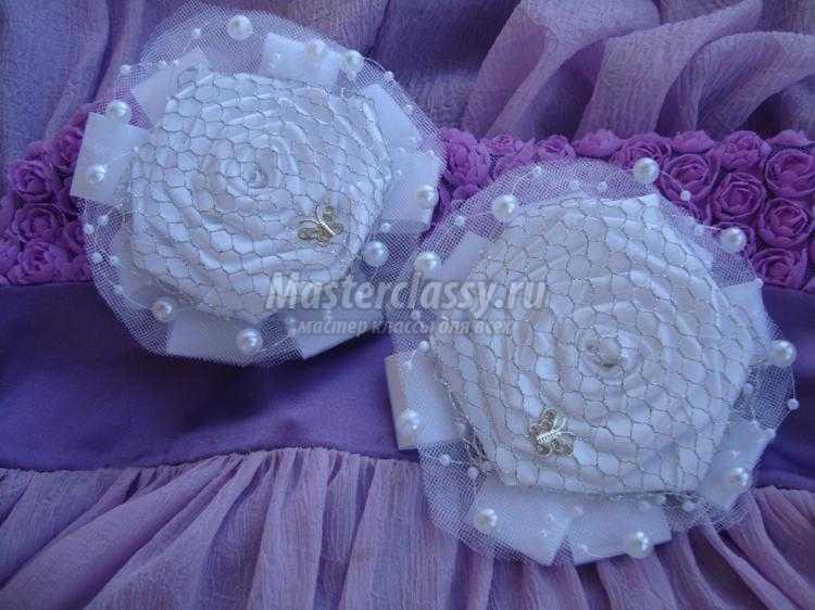 Цветок из атласной ленты и фатина
