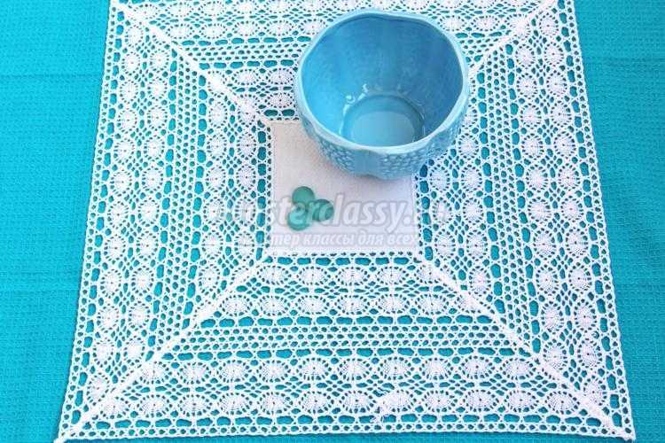 шитье салфетки из ткани и вязаного кружева
