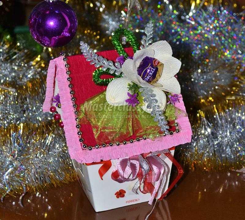 домик из конфет