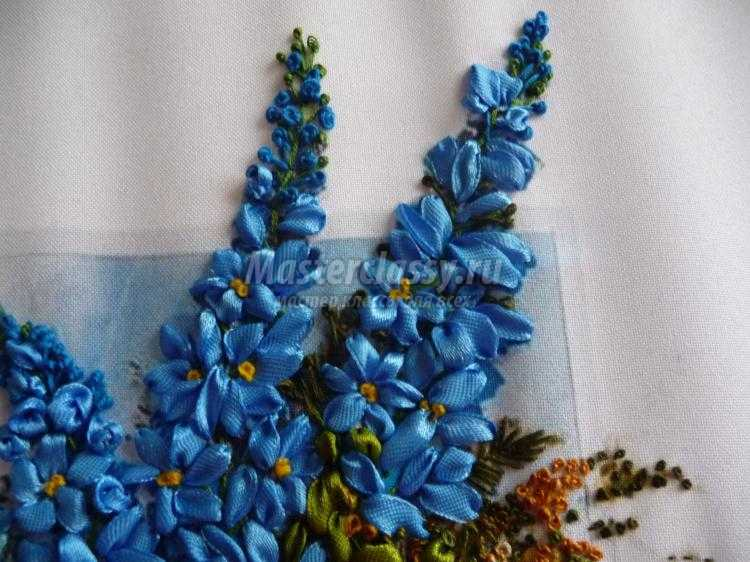 Вышивка лентами цветы и зелень