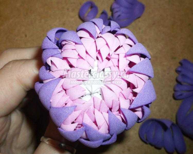 цветы из фоамирана. Трехцветный георгин