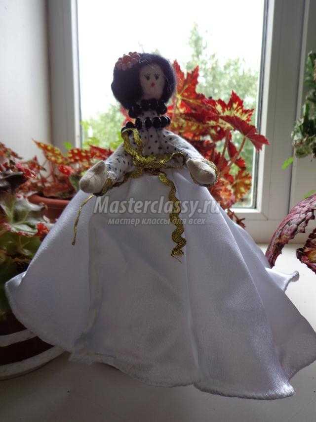 текстильная кукла-статуэтка. Лиза