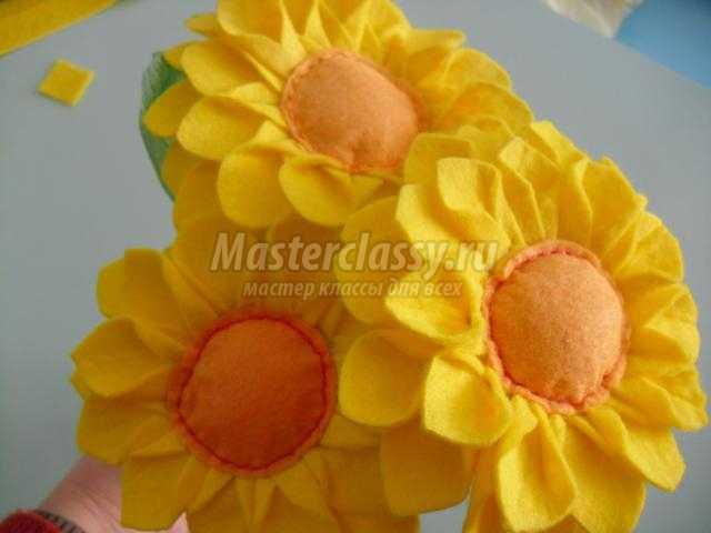 Как сделать цветы из кухонных салфеток