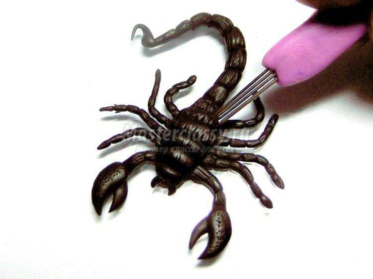 Скорпиона своими руками